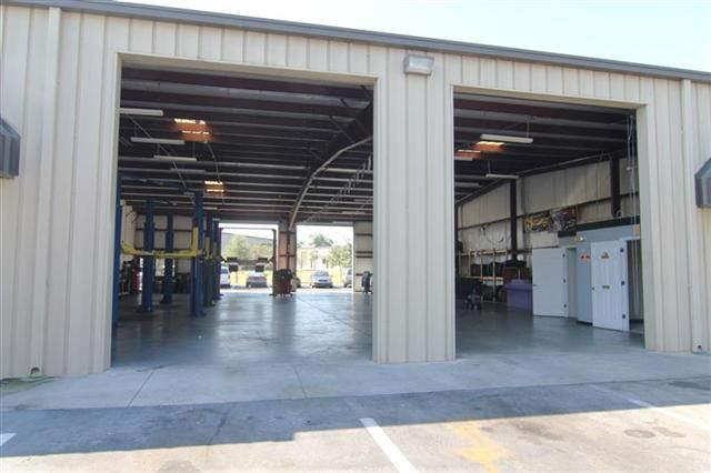 4800 sq. ft. Fully equipped Garage Unit at Hunt Industrial Park