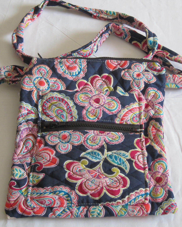 DIY Double Zipper Crossbody bag Click on website link below to download  FREE crossbody bag pattern