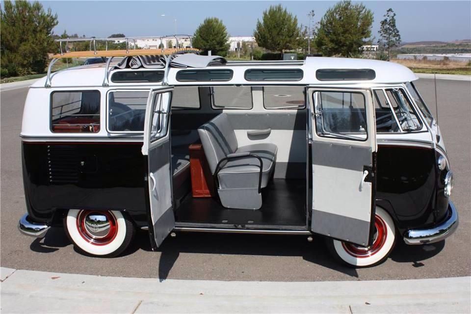 b025a8b9ae 1963 VW Bus De Lux