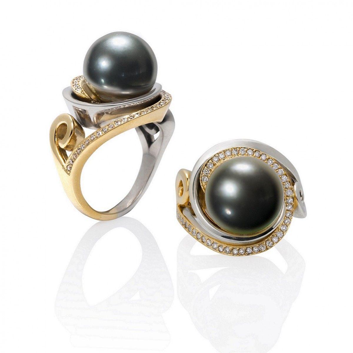 NEBULA 2-Tone Pearl Ring with Diamonds