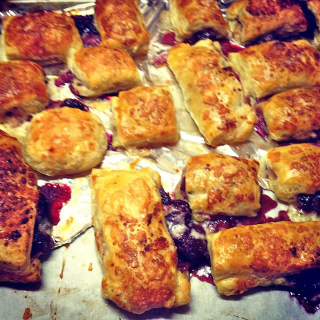 A Turk's Delights: Brie and Jam Puff Pastry Bites