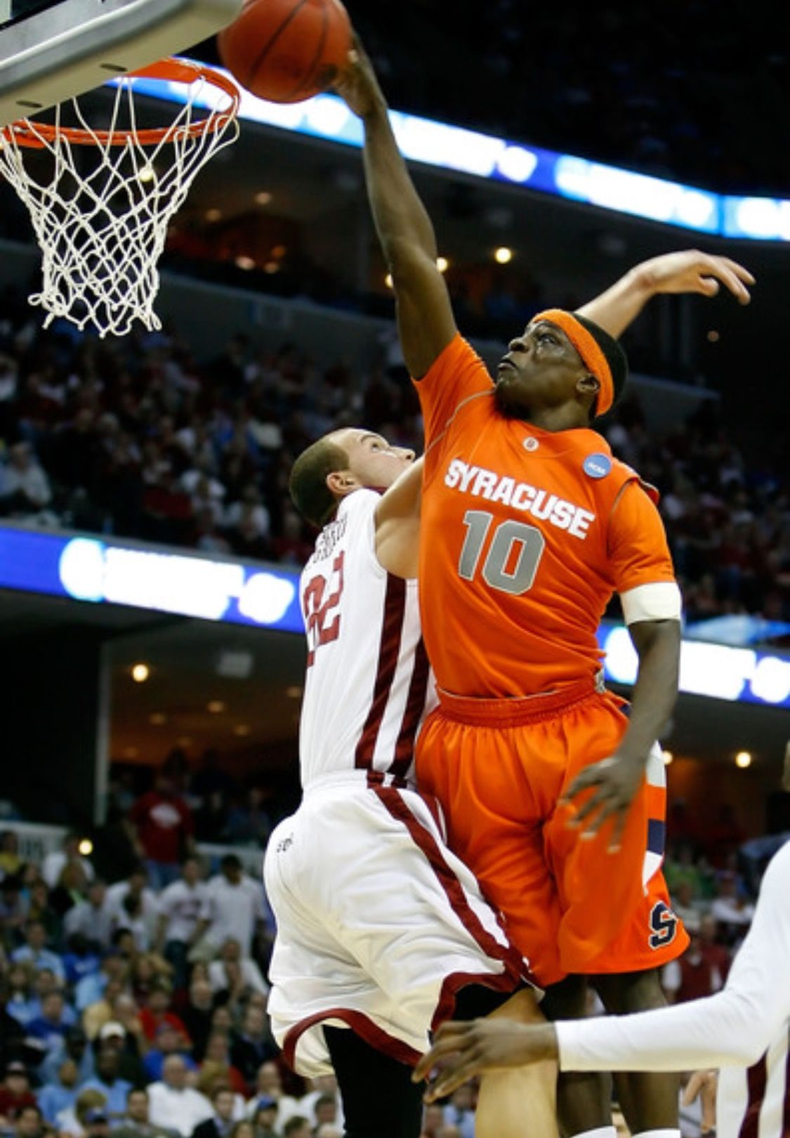 Jonny Flynn Posterizing A College Defender Syracuse Basketball Ncaa Basketball College Basketball