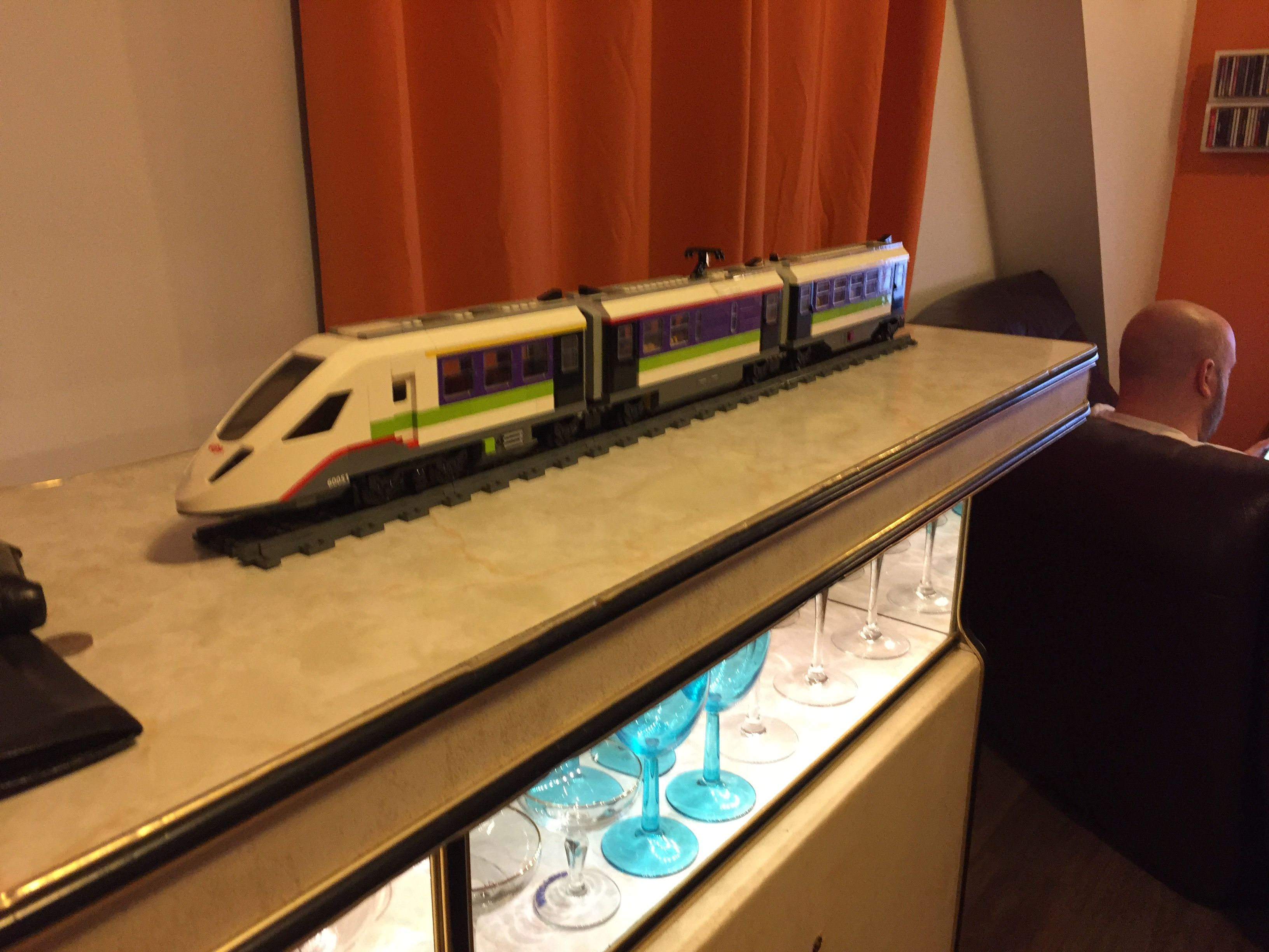 Split LEGO High-speed Train Station New from 60051 High-Speed Passenger Train