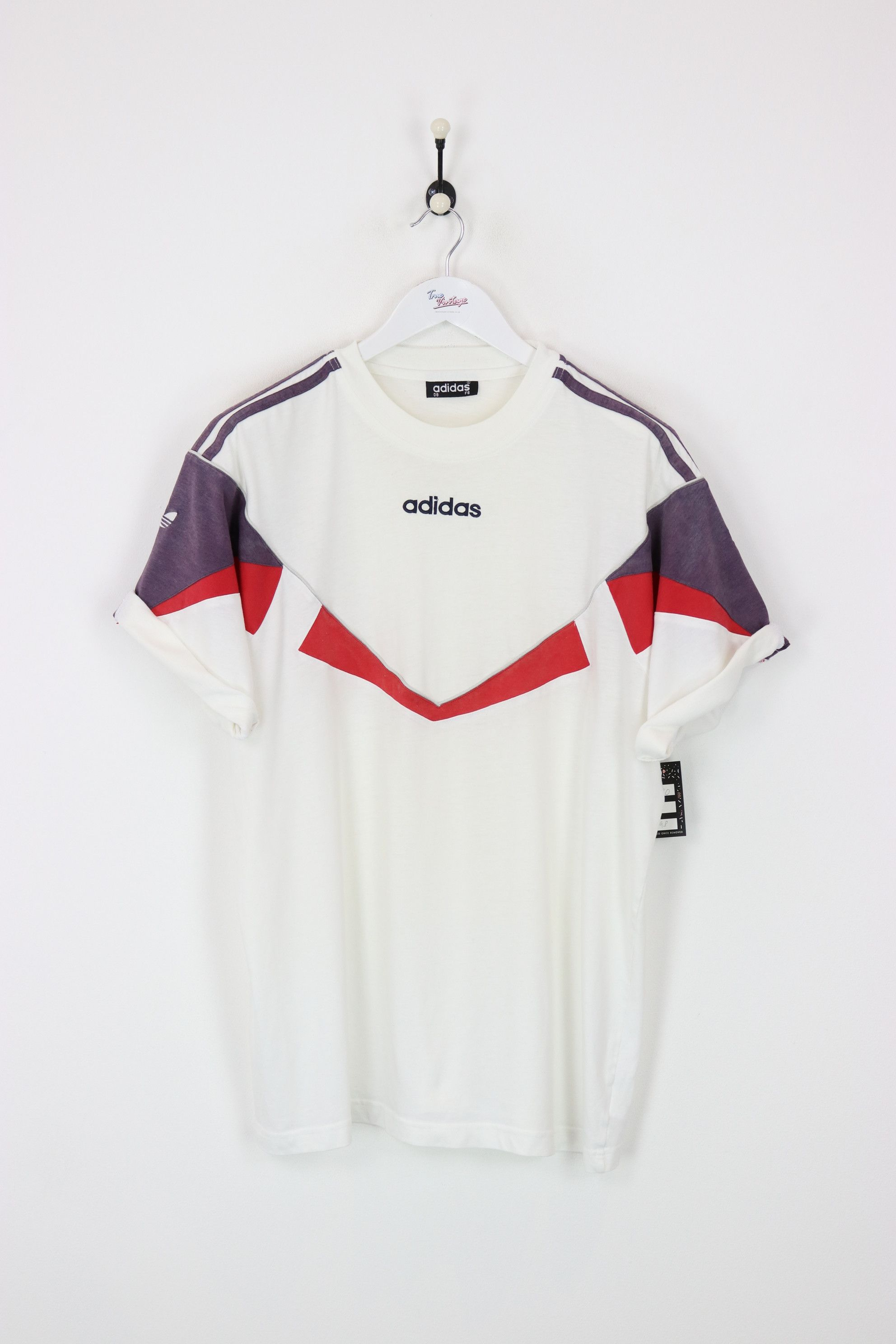 3e064367 Very good condition, vintage Adidas t-shirt. Measurements: Pit to pit - 25
