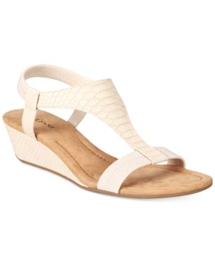 311d0ef5e46335 Alfani Women s Step  N Flex Vacanzaa Wedge Sandals