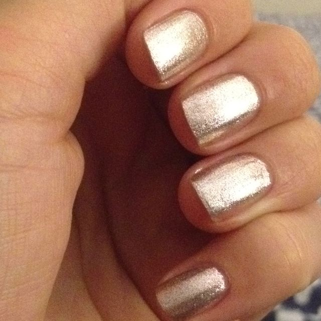OPI, Designer... de Better. Glitter silver/gold nail polish. 1 base coat, 2 coats + 1 top coat.