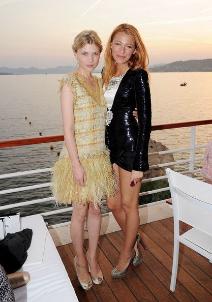 Clemence Poesy Photos - Chanel - 'Collection Croisiere Show 2011-12' Show - Zimbio