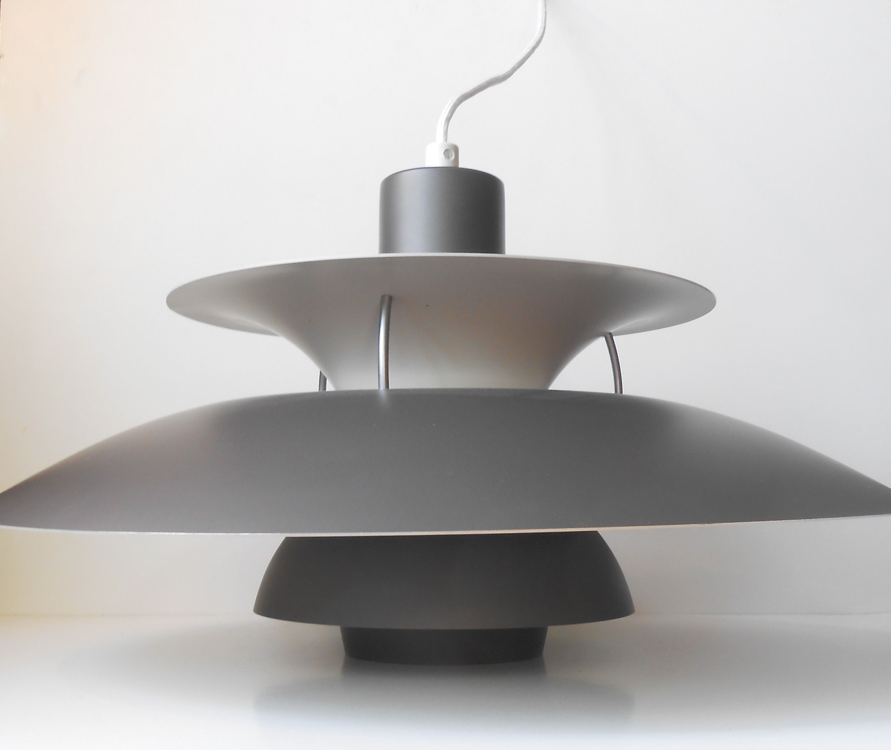 grey ph5 pendant ceiling lamp by poul henningsen for louis poulsen http retro. Black Bedroom Furniture Sets. Home Design Ideas