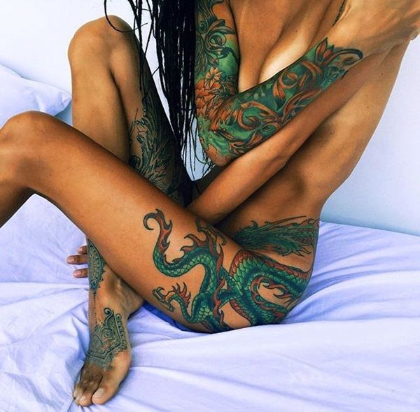 Love this everything. The style of foot tattoo