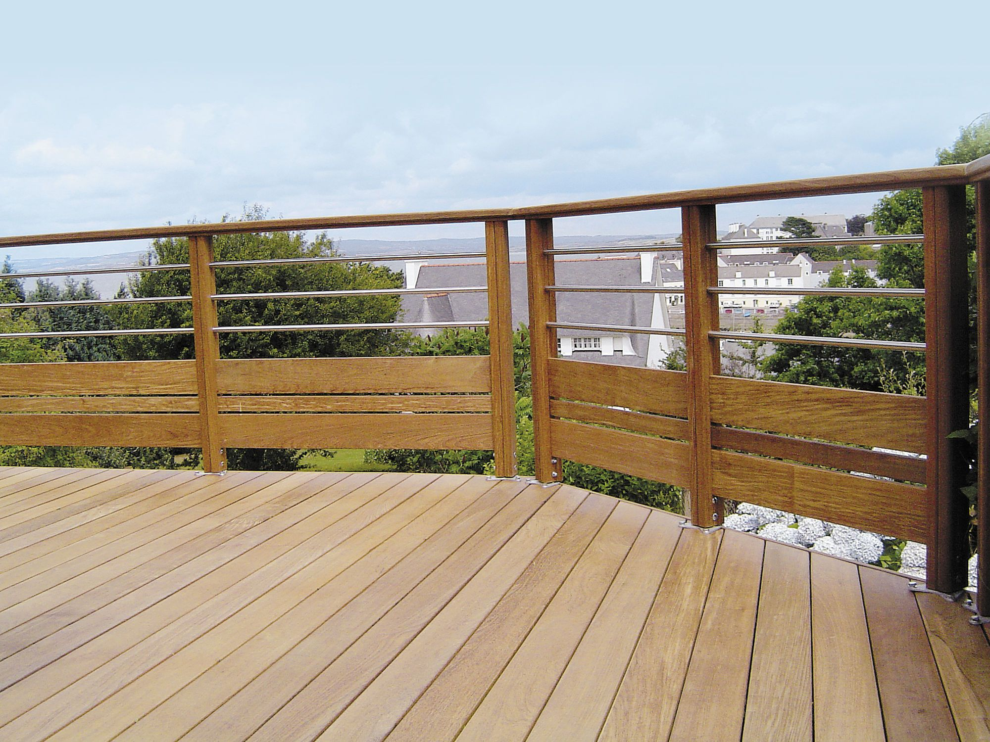 Terrasse Holz Wood Lower With Metal Upper Railing Cavage Holzgeländer