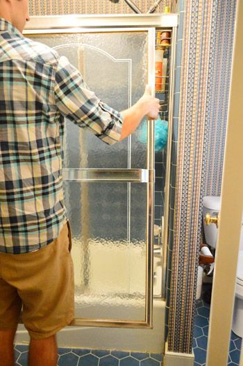 How To Remove An Old Sliding Shower Door With Images Shower