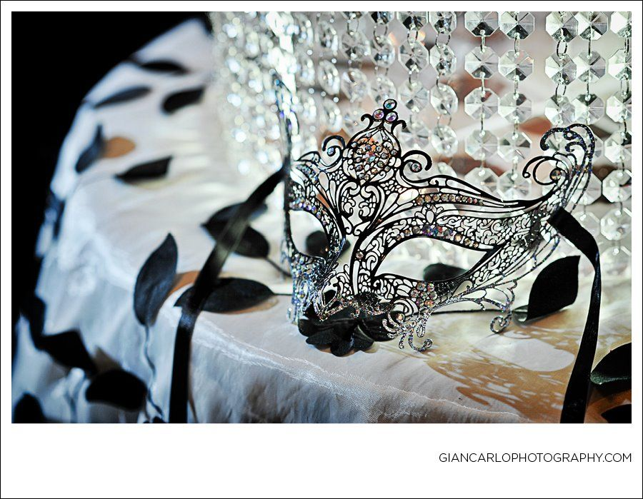 Masquerade Mask Table Decorations Fair Balocoloc Venetian Mask Used As Wedding Cake Table Decoritalian Decorating Design