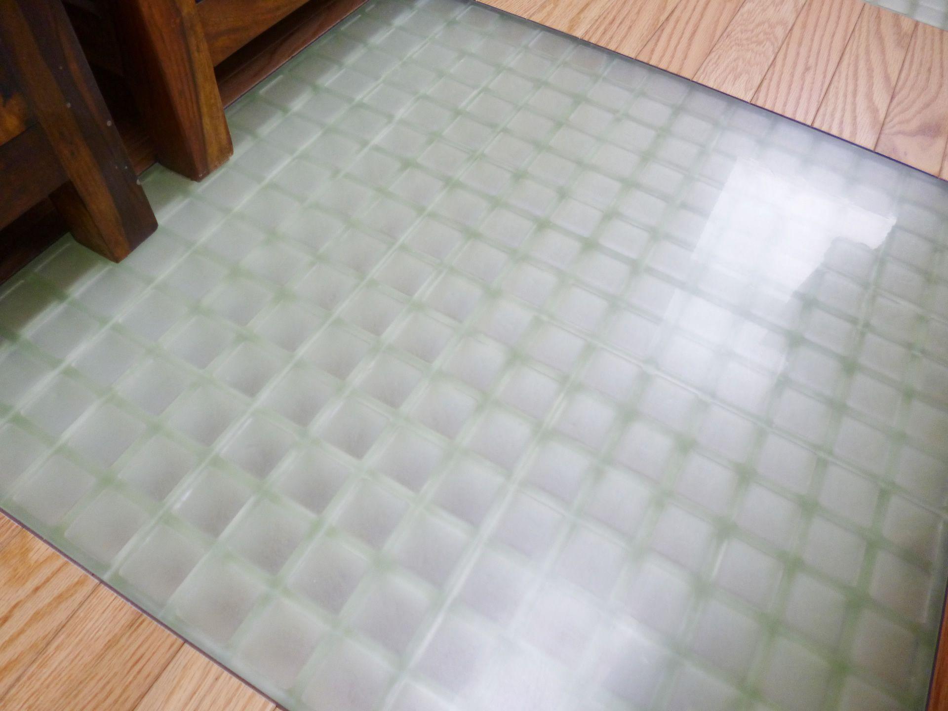 吹き抜けを子供部屋にリフォーム 床には採光のためガラスブロック風