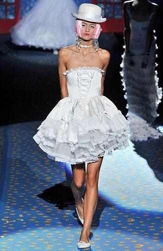 betsey-johnson-wedding-dresses-6.jpg (325×500) | KAWAII BRIDAL GOWNS ...