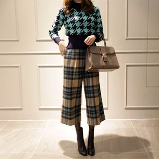 Buy NIPONJJUYA Plaid Wool Blend Wide-Leg Pants at YesStyle.com! Quality products at remarkable prices. FREE WORLDWIDE SHIPPING on orders over US$35.