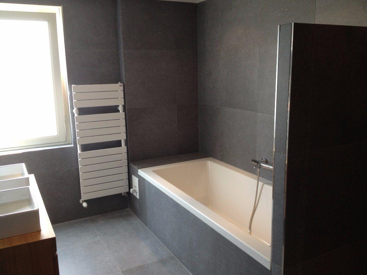 Badkamer grijze tegels ontzagwekkende luxe badkamer met grote