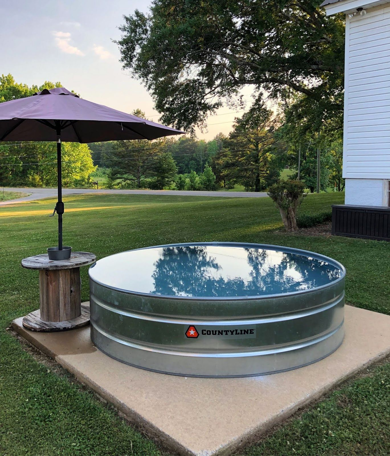 8 Best Stock Tank Pool Ideas For Your Backyard Stock Tank Swimming Pool Tank Pool Stock Tank Pool