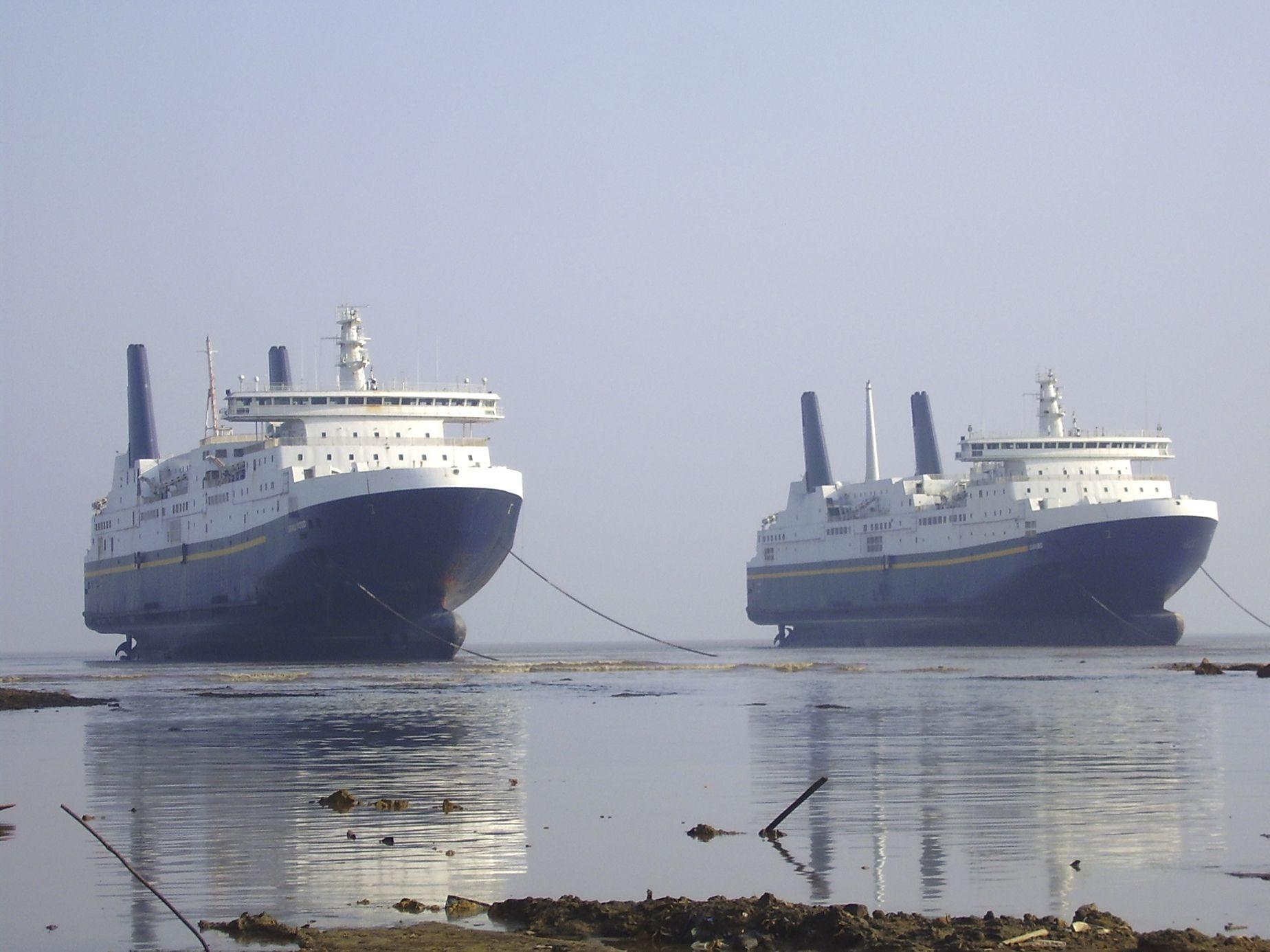 Alang Ship Google Search Ships Miscellaneous Ship Ship Ship Breaking Abandoned Ships