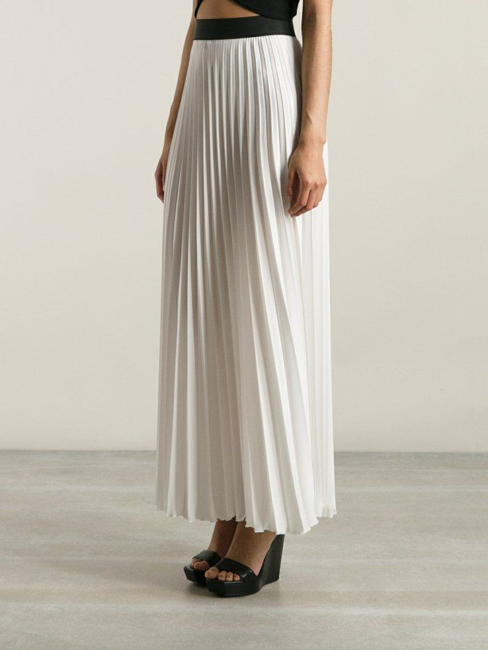 210de7c75571 Comment porter la jupe longue plissée  80 idées!