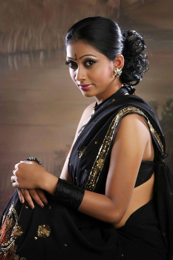 Udhayathara Malayalam hot actress
