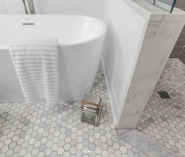 Pietra 2x2 Hexagon Mosaic Tile Marble Bathroom Floor Mosaic Flooring Hexagon Mosaic Bathroom