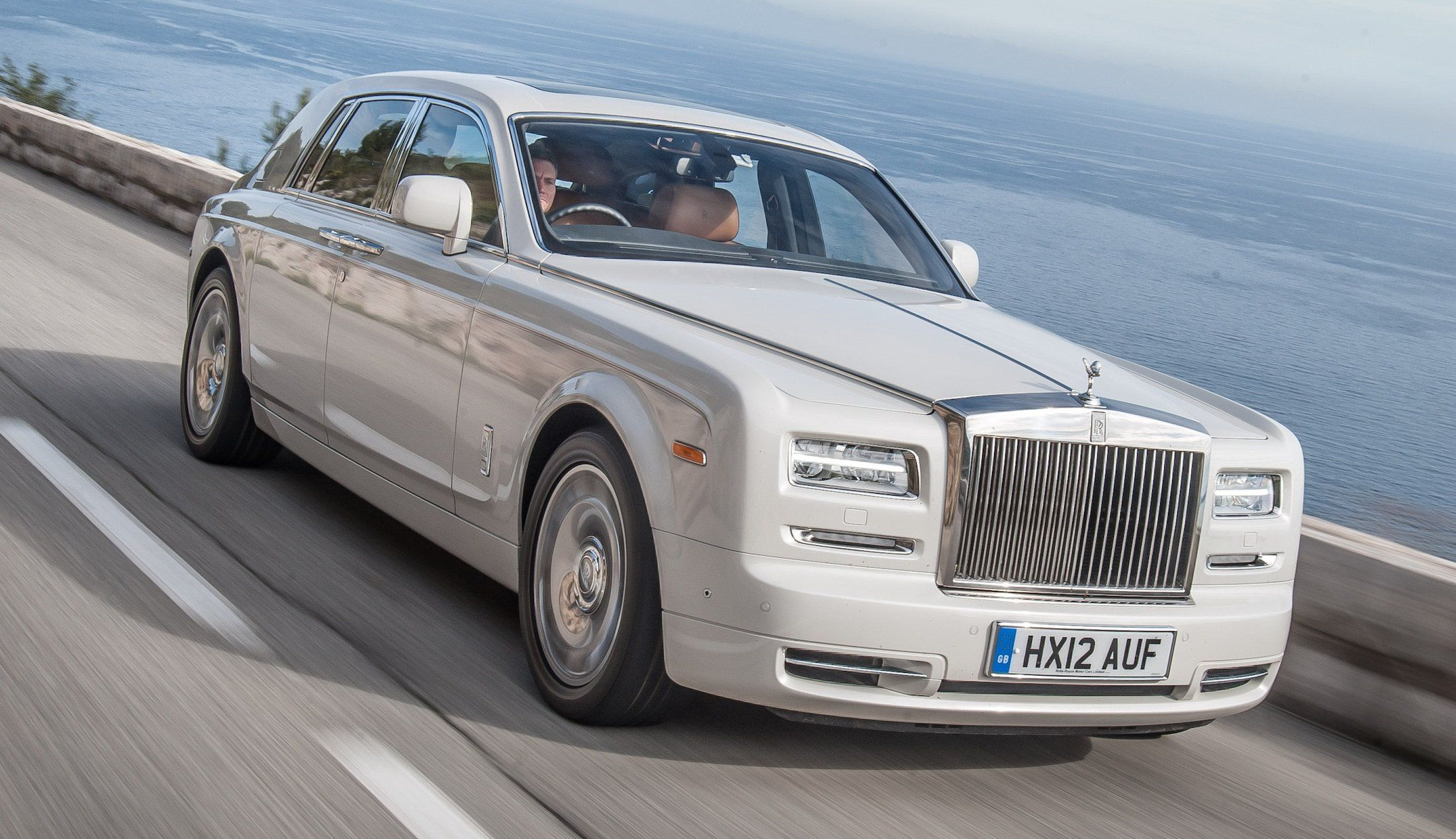 Rolls Royce Phantom Series Ii Prices Cut By Up To 280 000