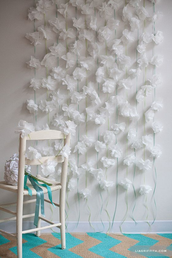 Cocktail napkin flower garlands 21 wedding photo backdrops you cocktail napkin flower garlands 21 wedding photo backdrops you can make yourself junglespirit Image collections