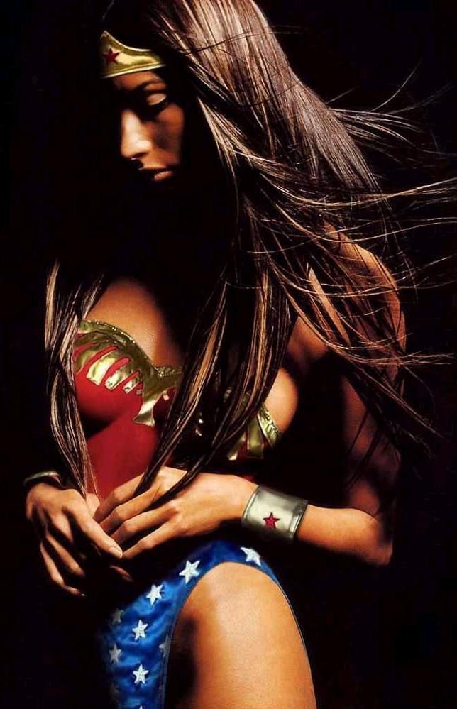 Modelo: Leanne Tweeden - Mulher Maravilha (Wonder Woman)