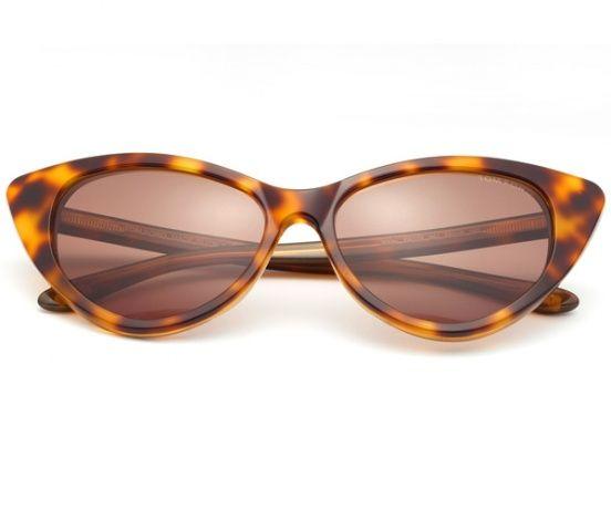 Óculos escuros no modelo Nikita, de Tom Ford.