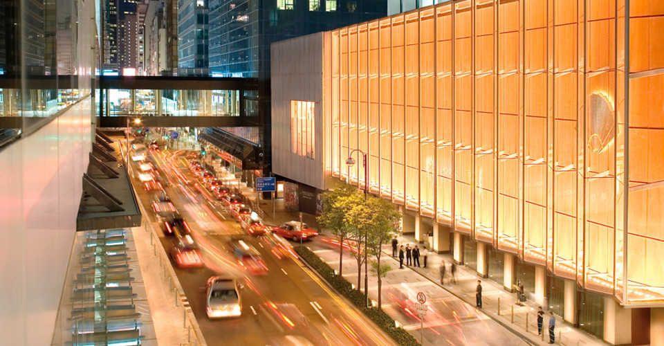 Le Landmark Mandarin Oriental est un hôtel chic situé au cœur des quartiers des affaires et de la mode de Hong Kong.