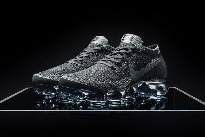 b778c8a77 Nike Air VaporMax Flyknit (Triple Black)