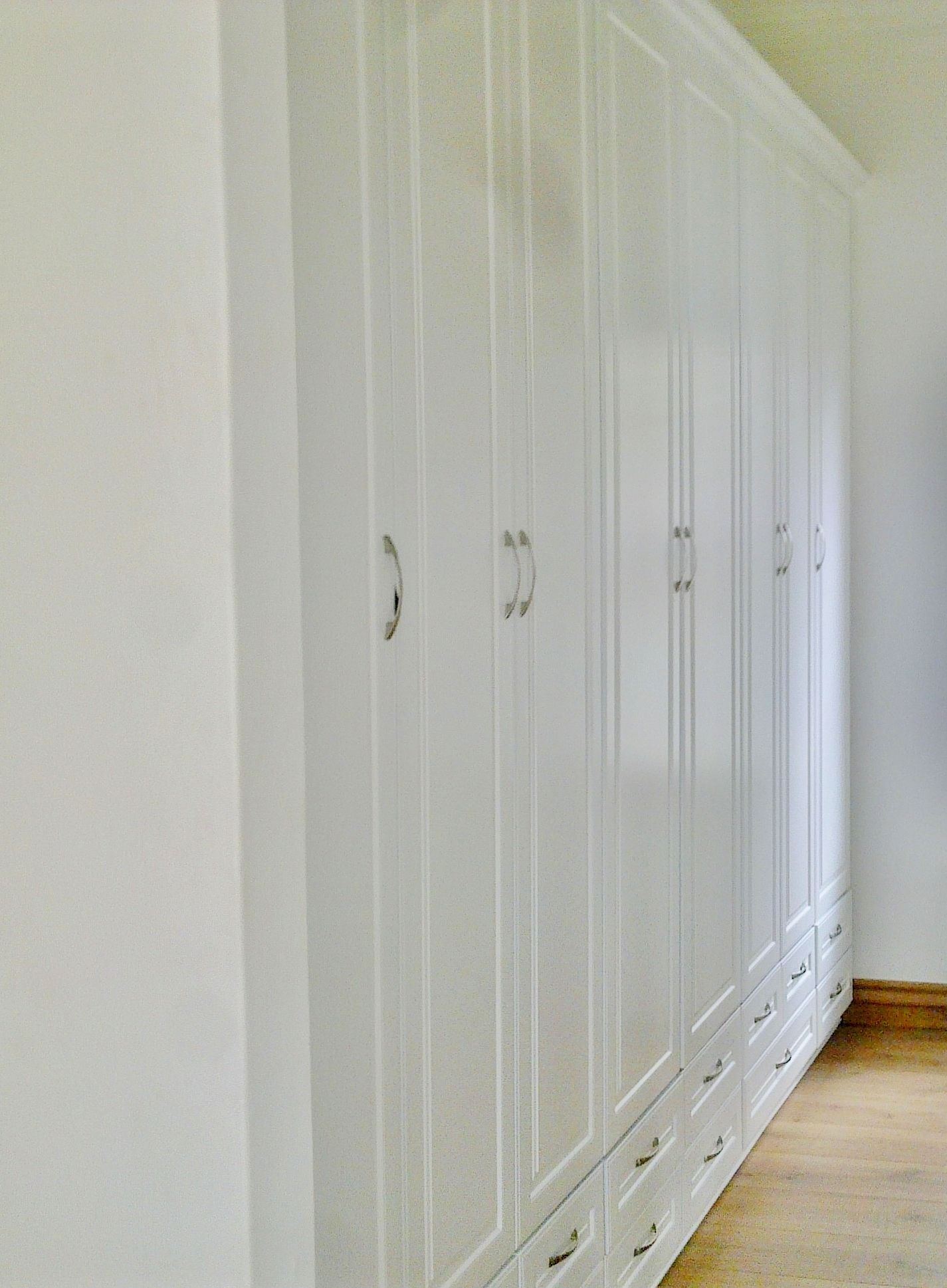 Bedroom cupboards pictures - Bedroom Cupboards White Duco In A Matt Finish On Mdf