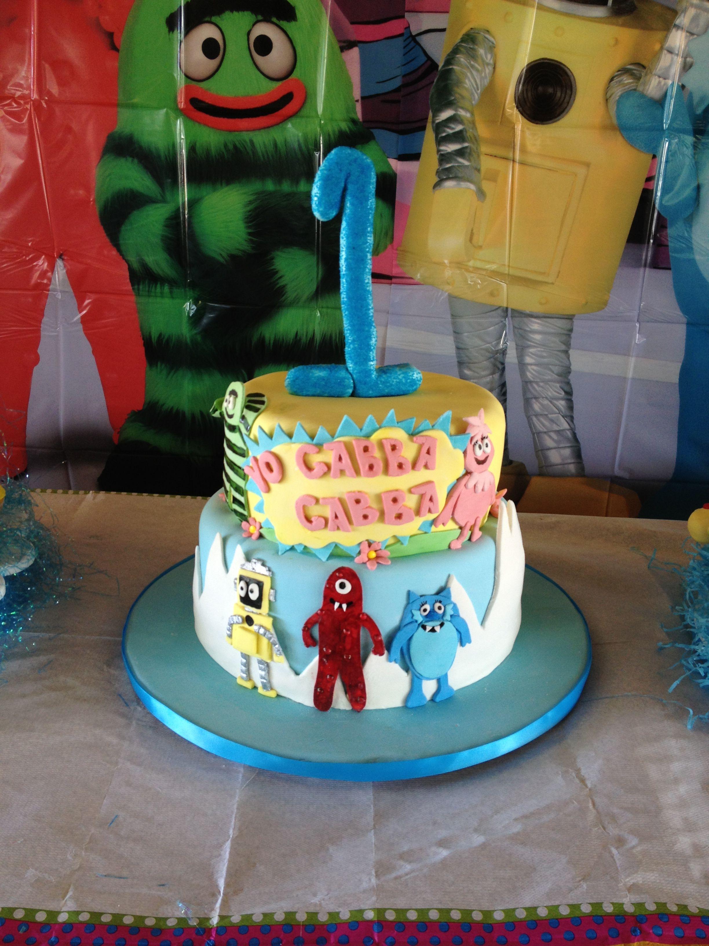 Yo gabba gabba cake for a little boys birthday blue yellow for Decor yo pops