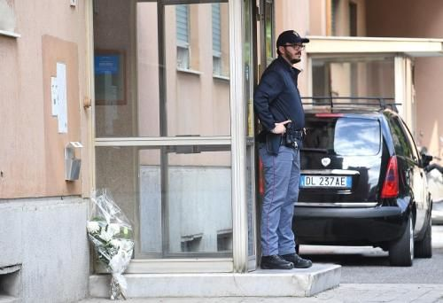Attualità: #Genova  #uccide moglie e figlie e poi si toglie la vita. Troppi problemi. Non vi... (link: http://ift.tt/2e2CwdB<<Troppi-problemi-Non-vi.html )