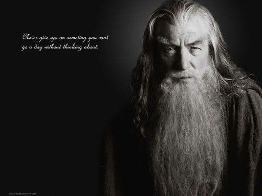 Pin By Stephanie Calvert On All Things Tolkien Gandalf Ian Mckellen Gandalf The Grey