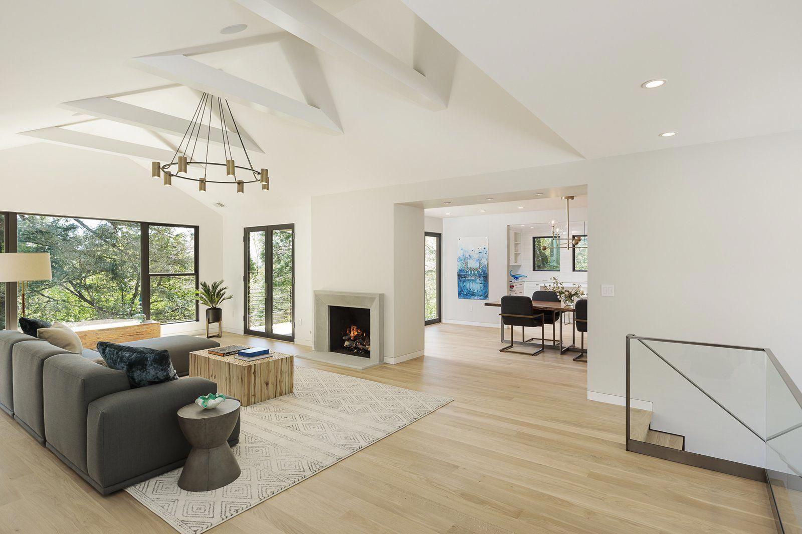 Living Room Light Hardwood Floor Rug Floor Coffee Tables
