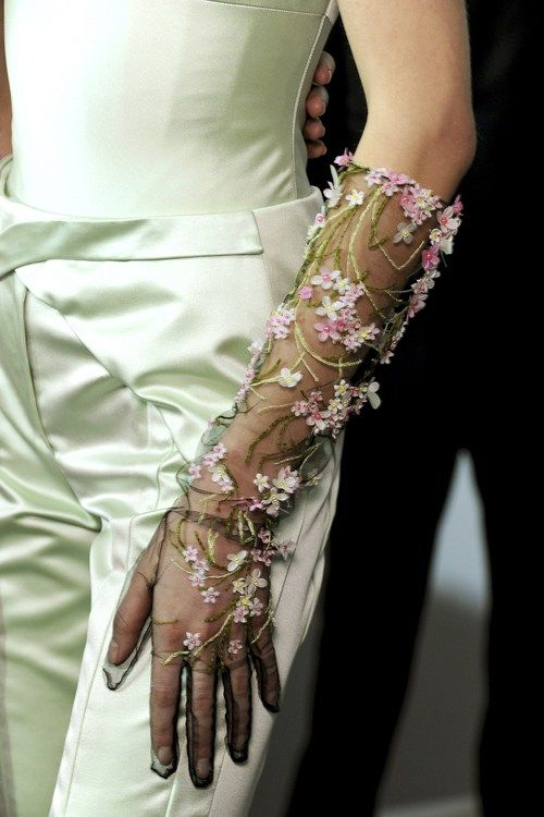 Falling in love with these gloves from Christian Dior couture, Spring 2013