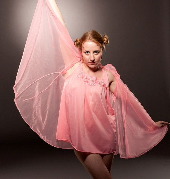 Vintage 1950s Babydoll Peignoir in Hot Pink w/Lace by BasyaBerkman, $46.00