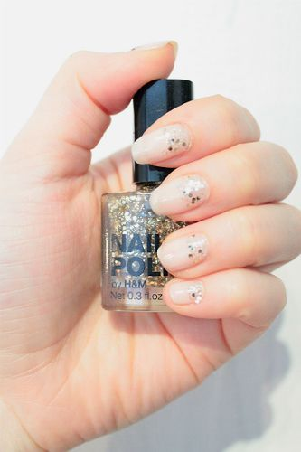 Light beige and sparkling gold #nails