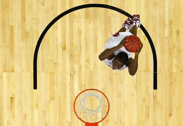 Moses Kingsley in NCAA Basketball Tournament: Second Round