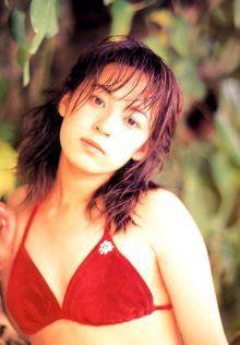佐藤仁美さんの水着