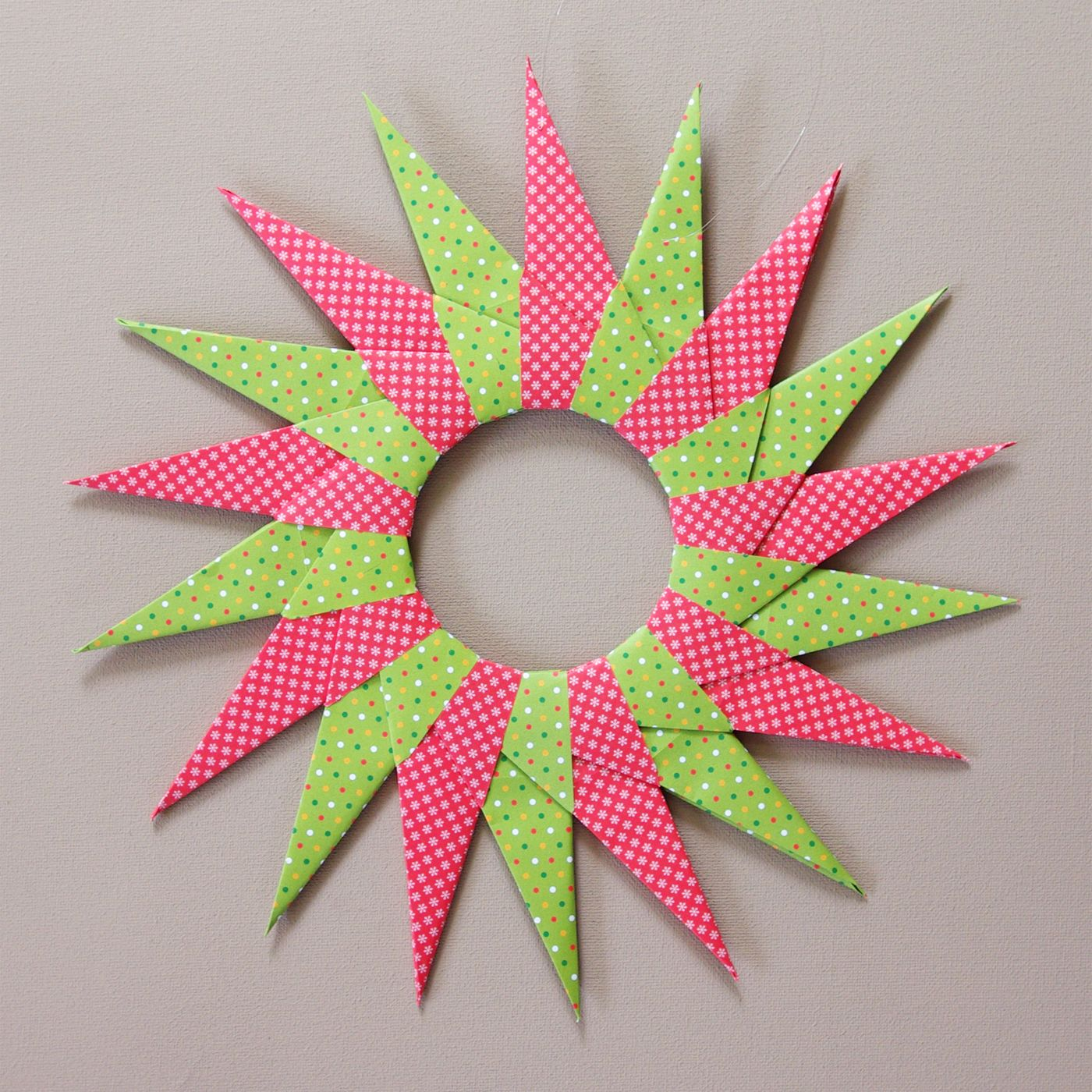 origami sterne falten faltsterne anleitung kostenlos fertig kreativ pinterest faltstern. Black Bedroom Furniture Sets. Home Design Ideas
