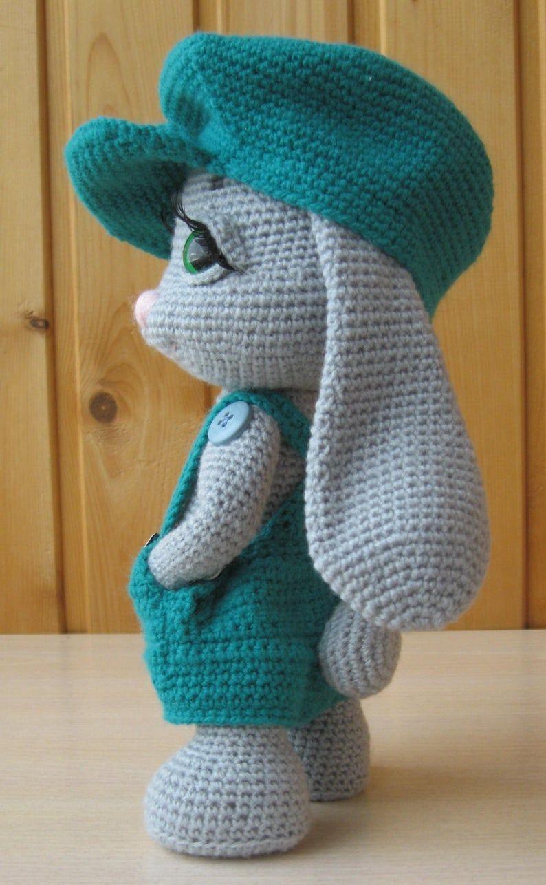 PATTERN: Rowdy-Dowdy Bunny crochet pattern - Donate Car to Charith California