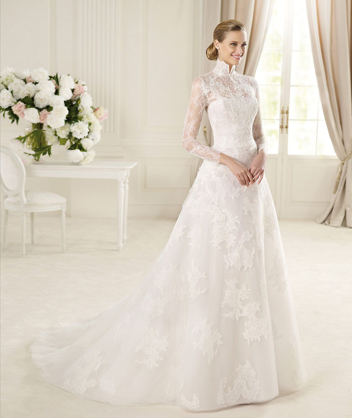 Wedding dress with collar  Pronovias