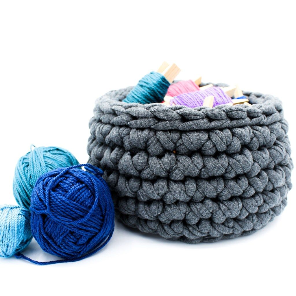Photo of Crochet pattern of the week: Textile yarn baskets – Frau Line Textile yarn baskets