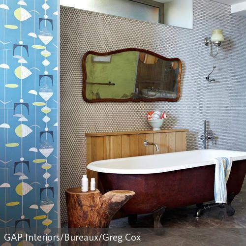 Freistehende badewanne raffinierten look  Freistehende Badewanne im Retro-Look   Freistehende badewanne ...