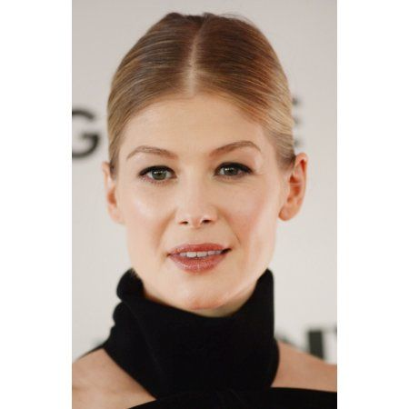 Rosamund Pike At Arrivals For Gone Girl World Premiere And Opening Night Gala At The 52Nd New York Film Festival Canvas Art - (16 x 20)