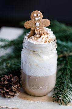 Weihnachtlicher Lebkuchenkaffee / Gingerbread Macchiato – Dreierlei Liebelei #christmascocktails