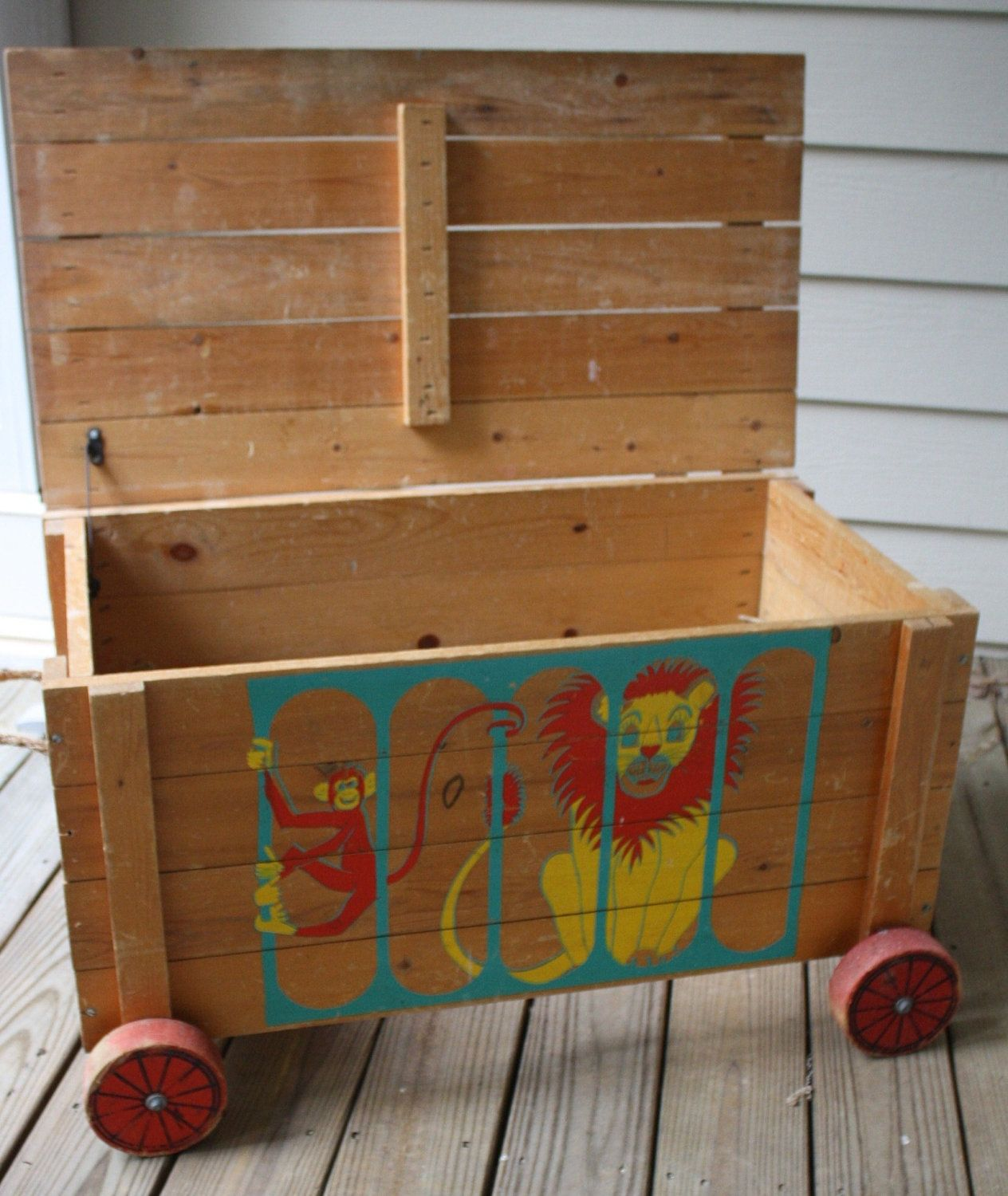 Retro Vintage Zoo Animals Wooden Toy Chest Trunk Wagon 250 00 Via Etsy Wooden Toy Chest Old Toys Toy Chest