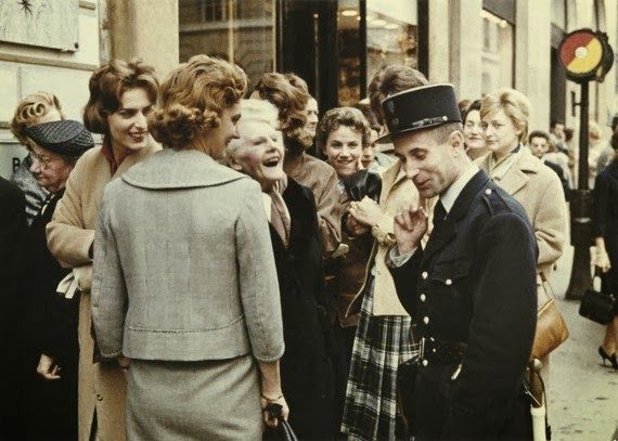 vintage everyday: Amazing Color Photographs of Daily Life in Paris in the 1950's
